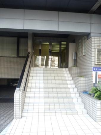 PICTエントランス階段